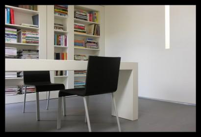 kantoor-ontwerpstudio-kantoor-aanbouw-interieur-werktafel-werkplek-spreektafel-ontvangst klanten