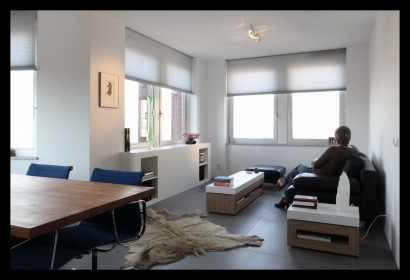 Appartement-Rotterdam-woonkamer-badkamer-meubels-op-maat-gemaakt-zithoek