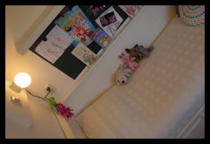 eengezinswoning-bovenverdieping-eengezinswoning-slaapkamer-kinderslaapkamer-prikbord