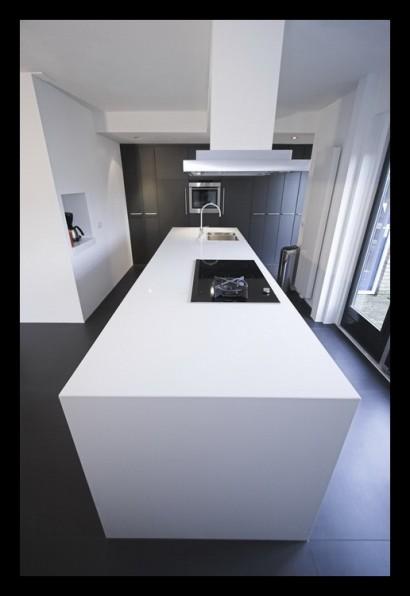 keuken-kookeiland-werkblad-op-maat-gemaakt-inductie-kookplaat-wokpit-afzuigkap