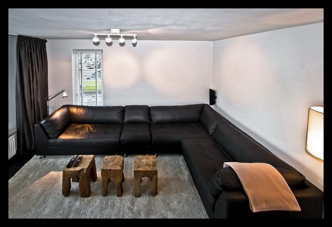 Knusse kleine woonkamer beste inspiratie voor huis ontwerp - Lounge warme kleur ...