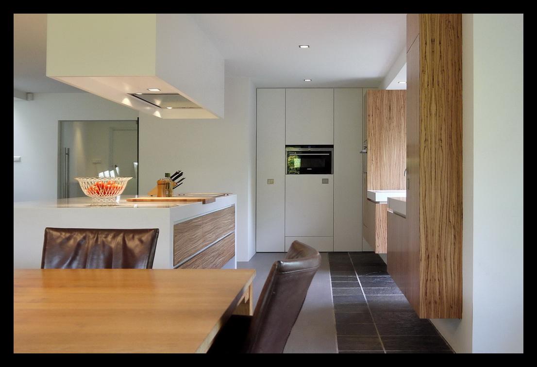 Leonardus interieurarchitect keuken met kookeiland - Keuken open concept ...