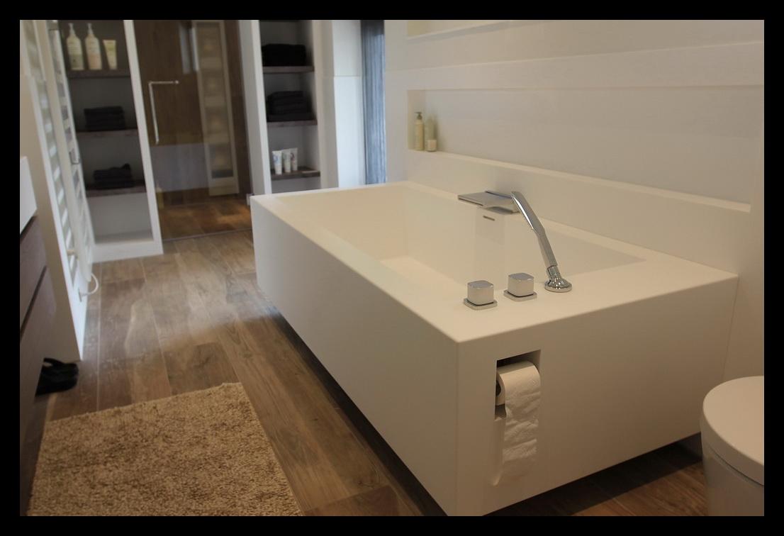 Leonardus interieurarchitect totaalverbouwing villa - Moderne luxe badkamer ...