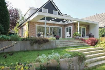 woonkamer-aanbouw-vrijstaand-woonhuis-huiskamer-overkapping-open-dak