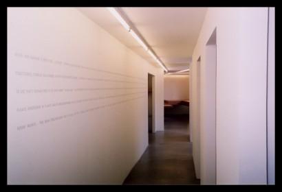 studio-ontwerpstudio-gang-belettering-ontwerp-interieur-kantoor-werkplek-bureau-op-maat-gemaakt-verlichting-budget-ramen-etsfolie