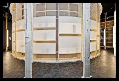 exclusief-schoenenwinkel-damesschoenen-herenschoenen-accesoires-tassen-vitrines-schoenen-magazijn