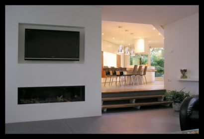 bungalow-tilburg-woonkamer-haard-tv