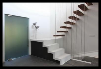 Boshuis-boswoning-villa-trap-zwevend-