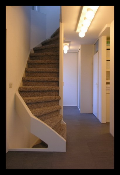interieurarchitect-interieuradvies-binnenhuisarchitect-omgeving-Breda-eengezinswoning-bovenverdieping-eengezinswoning-Breda-overloop-trap-inbouwkast-