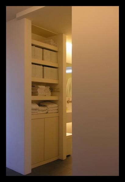 interieurarchitect-interieuradvies-binnenhuisarchitect-omgeving-Breda-eengezinswoning-bovenverdieping-eengezinswoning-overloop-inbouwkast-