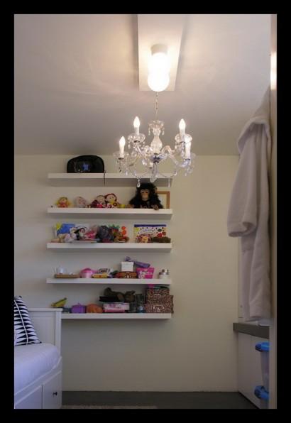 interieurarchitect-interieuradvies-binnenhuisarchitect-omgeving-Breda-eengezinswoning-bovenverdieping-eengezinswoning-slaapkamer-kinderslaapkamer-kroonluchter