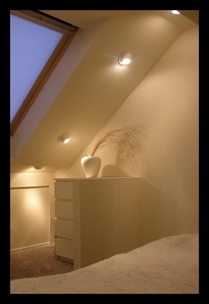 eengezinswoning-bovenverdieping-eengezinswoning-slaapkamer-aanbouw-opbouw-inbouwspots-veluxraam