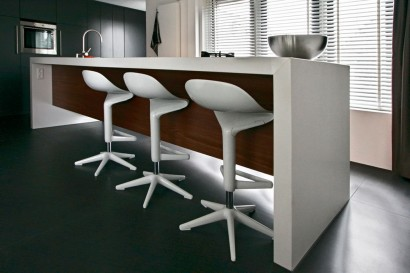 interieurarchitect-interieuradvies-binnenhuisarchitect-omgeving-Breda-keuken-kookeiland-bar-barkrukken-keukenblad-werkblad