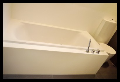 badkamer-wasbak-kranen-rvs-opmaat-gemaakt-bad-ligbad