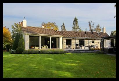 villa Groenlo-tuin-buitenkant-terras