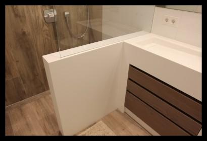 badkamer-modern-wit-luxe-douchewand-op maat