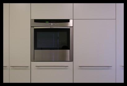 keuken-dornbragt tara classic-aanrechtblad cesarstone-inductie-apothekerskasten-spuitwerk-inbouwapparatuur