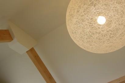 zolderverdieping-zolderkamer-bovenverdieping-eengezinswoning-zolder-bad-badkamer-ligbad-veluxramen-verlichting-sfeerverlichting-budget-