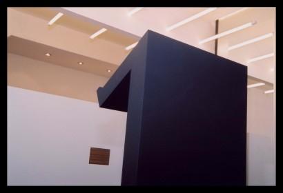 edelsmederij-edelsmid-winkelwerkplaats-eigen-ontwerp-sieraden-veiligheid-spreektafel-klanten-vitrinekasten-veiligheid-op-maat-gemaakt