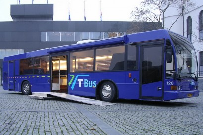 interieurarchitect-interieuradvies-binnenhuisarchitect-omgeving-Breda-infobus-informatiebus-kaartverkooppunt-promotie-loopplank-rolstoelplank-verlichting