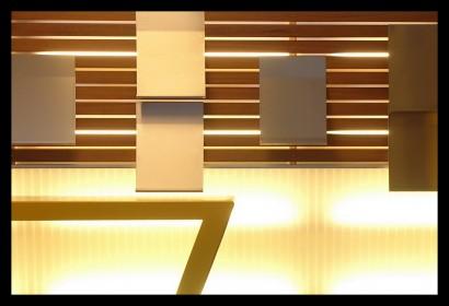 infobus-informatiebus-kaartverkooppunt-promotie-bijzonder-verlichting-interieur-folderhouders-balie-verkooppunt-