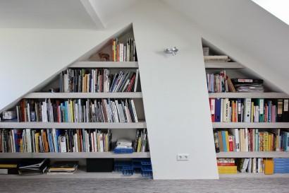 interieurarchitect-interieuradvies-binnenhuisarchitect-omgeving-Breda-werkkamer-zolder-opbergruimte-boekenkast-slim-