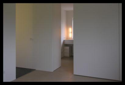 parkwoning-craeyenburch-nootdorp-buitenkant-exterieur-villapark-gemeenschappelijk-park-trap-bovenverdieping-doorgang-badkamer