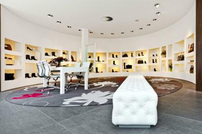 interieurarchitect-interieuradvies-binnenhuisarchitect-omgeving-Breda-exclusief-schoenenwinkel-damesschoenen-herenschoenen-accesoires-tassen-vitrines