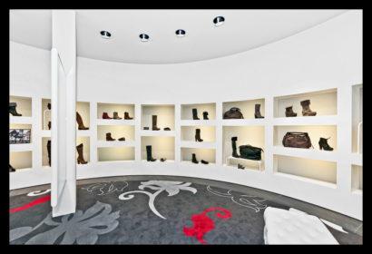 exclusief-schoenenwinkel-damesschoenen-herenschoenen-accesoires-tassen-vitrines-schoenen
