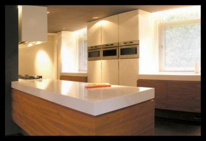 chaletwoning-keuken-inbouwapparatuur-opmaat-gemaakt-lichtplan