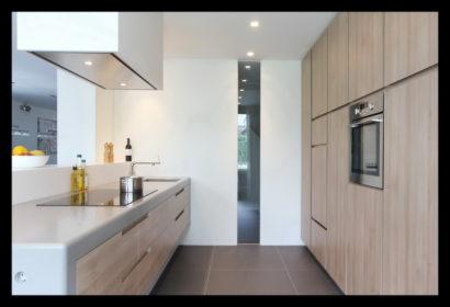 renovatie-verbouwing-vrijstaand-woning-wouw-uitbouw-aanbouw-keuken-kasten-bar-inbouw-afzuigkap-inductie