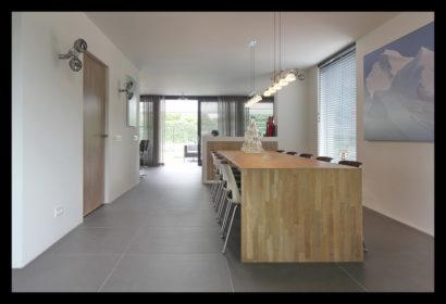 renovatie-verbouwing-vrijstaand-woning-wouw-uitbouw-aanbouw-woonkamer-tafel-eettafel