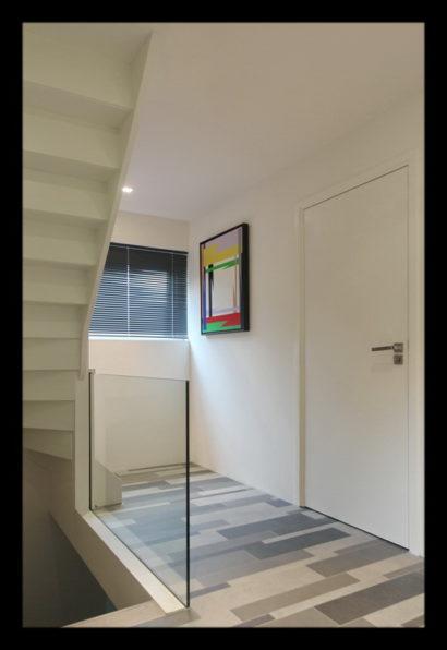 renovatie-verbouwing-vrijstaand-woning-wouw-bovenverdieping-overloop-trap-tegels