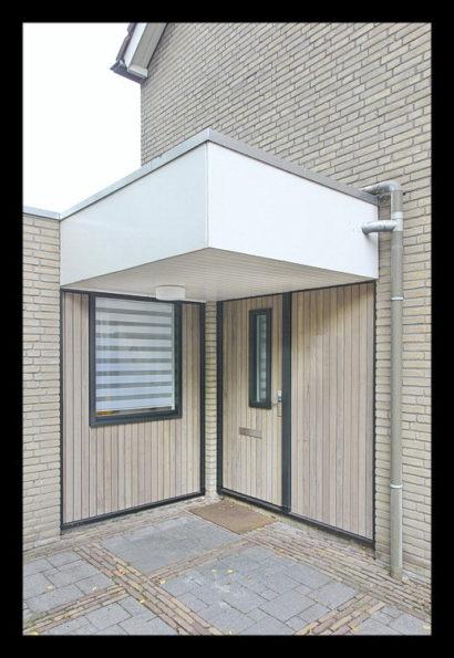 entree-interieurarchitect-interieuradvies-binnenhuisarchitect-omgeving-Breda-loungeruimte-voorheen-dokterspraktijk-werkkamer-bijkeuken-opbergruimte