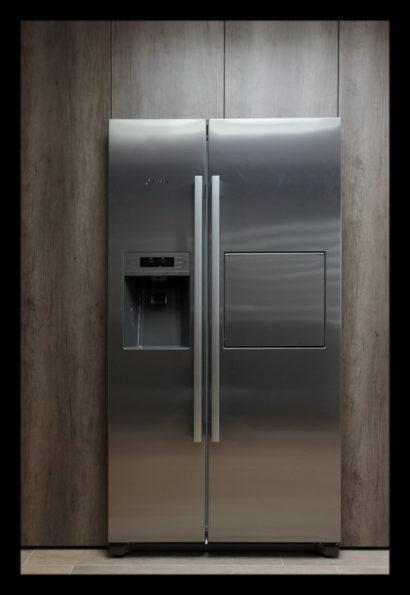 koelkast-interieurarchitect-interieuradvies-binnenhuisarchitect-omgeving-Breda-loungeruimte-voorheen-dokterspraktijk-werkkamer-bijkeuken-opbergruimte